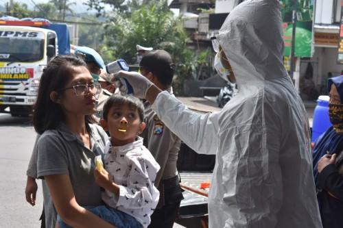 Harap Bersabar, Masuk Kota Batu Harus Melewati Pemeriksaan Kesehatan