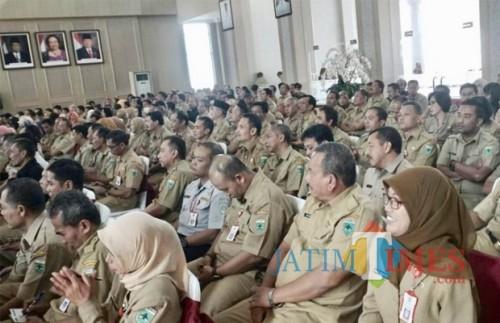 Para ASN Pemkot Batu saat berkumpul di Graha Pancasila Balai Kota Among Tani. (Foto: Irsya Richa/BatuTIMES)