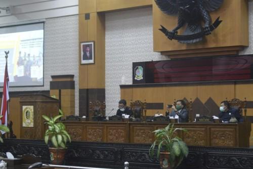 Rapat Paripurna DPRD Banyuwangi Lewat Teleconference