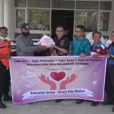 Komunitas Gereja Kristen Serahkan 600 Paket Sembako ke Wali Kota Madiun