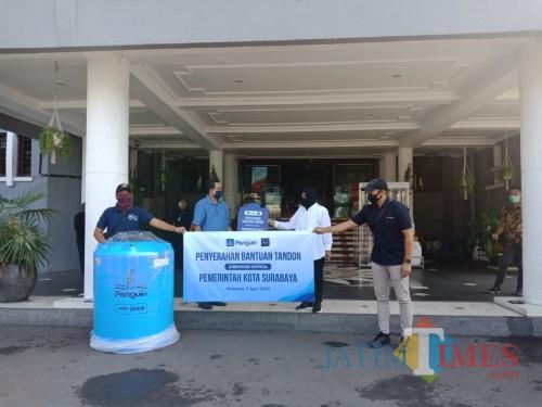 Bantuan tandon yang diterima Pemkot Surabaya