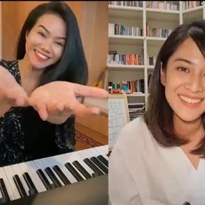 Duet Dian Sastro dan Yura Yunita Saat di Rumah Saja, Warganet: Awet Mudanya Gak Ada Akhlak