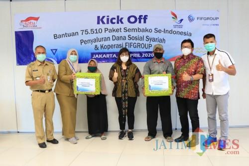FIFGROUP Salurkan 75.000 Paket Sembako untuk Warga Terdampak Covid-19