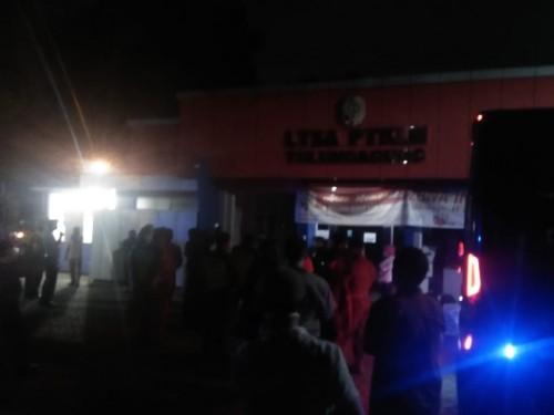 Ratusan Warga Tulungagung Geruduk Balai Desa, Minta Usir Tamu Padepokan dari Jakarta