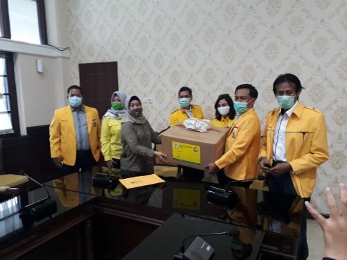 Bantuan dari DPD Golkar Surabaya ke Pemkot