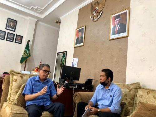 Kajari Malang, Andi Dharmawangsa SH, MH didampingi Kasi Perdata dan Tata Usaha Negara Dian Purnama SH (istimewa).
