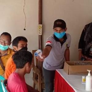 Antisipasi Covid-19, Warga Desa Krisik Cek Kesehatan Warga yang Datang dari Perbatasan