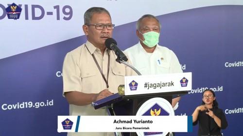 Achmad Yurianto, Juru Bicara Pemerintah terkait persebaran Covid-19 di Indonesia dengan mimbar konferensi bertuliskan #jagajarak, Senin (13/4/2020). (Foto: BNPB)