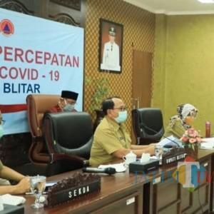 Vidcon dengan Seluruh Camat, Bupati Blitar Koordinasikan Penyaluran Bansos Covid-19