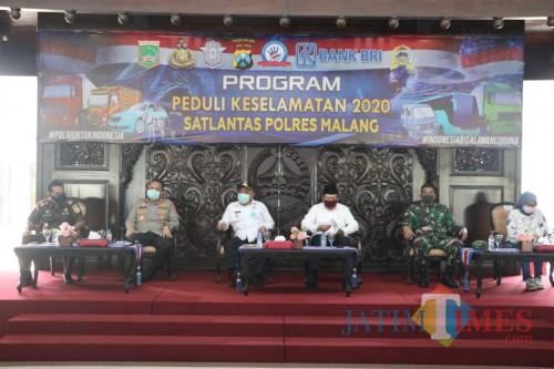 Jajaran Forkopimda Kabupaten Malang saat menghadiri dan membuka Launching Program Peduli Keselamatan 2020 Sat Lantas Polres Malang, Rabu (15/4/2020).