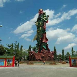 Patung Panglima Tertinggi Se-Asia Tenggara di Kelenteng Kwan Sing Bio Tuban Roboh