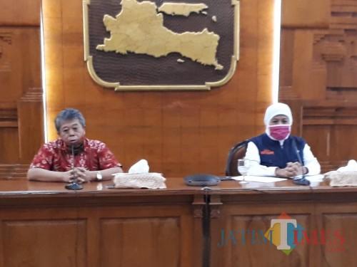 Gubernur Jatim Khofifah bersama Ketua DPRD Jatim Kusnadi