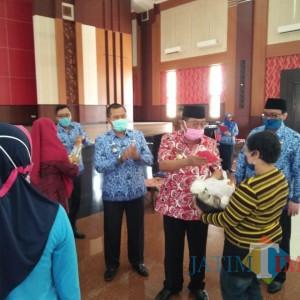 Undang Banyak Massa, Aksi Penyaluran BPNT Pemkot Blitar Banjir Kritik Pedas Anggota Dewan