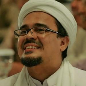 Bikin Aturan Sendiri, Habib Rizieq Perbolehkan Salat Jumat Berjamaah