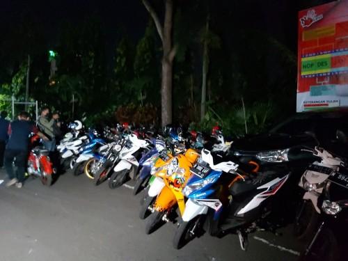 Kendaraan para remaja peserta balap liar yang diamankan petugas di Polresta Malang Kota. (Ist)