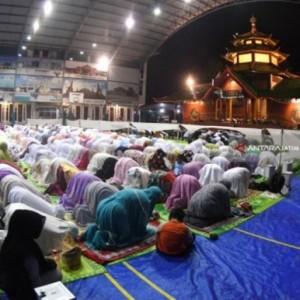 Muhammadiyah Minta Umat Muslim Tarawih di Rumah