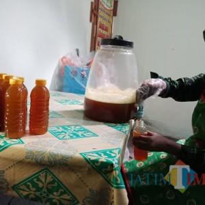 Di Rumah Saja, Pasutri di Jombang Ini Bisa Raup Keuntungan Jutaan Rupiah