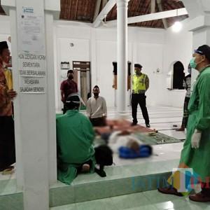 Usai Tarawih Mengeluh Pusing dan Sesak Napas, Warga Kandenan Meninggal di Dalam Masjid