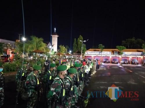 Apel Sebelum Patroli Gabungan TGT-PP Sabtu Malam (25/04/2020). (Foto:Necodemus Madiuntimes)