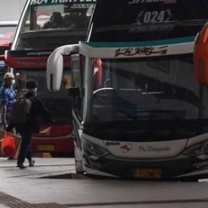 Viral Foto Bus AKAP Bawa Penumpang di Bagasi Saat Larangan Mudik Sudah Berlaku!