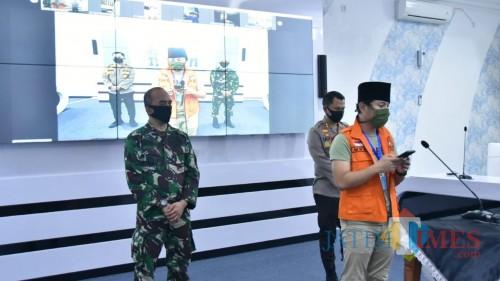 Bupati Trenggalek Mochamad Nur Arifin adakan pres rilis dengan awak media