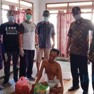 Muspika Muncar Bantu Agus Wantoro Warga desa Tembokrejo yang Sakit Syaraf