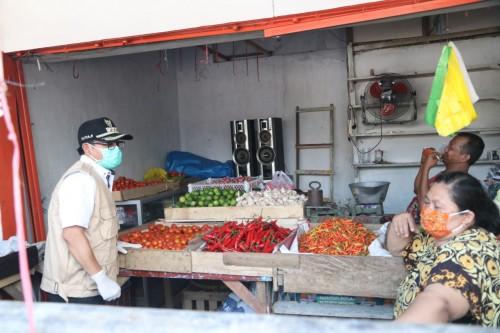 Wali Kota Malang Sutiaji saat meninjau aktivitas di Pasar Induk Gadang Kota Malang beberapa waktu lalu. (Foto: Humas Pemkot Malang).