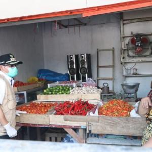 Buntut Pasien PDP, 21 Pedagang Pasar Induk Gadang Diperiksa Petugas Kesehatan