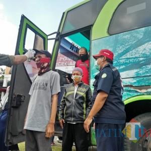 Nekat Mudik ke Kabupaten Malang, Puluhan Kendaraan Disuruh Putar Balik