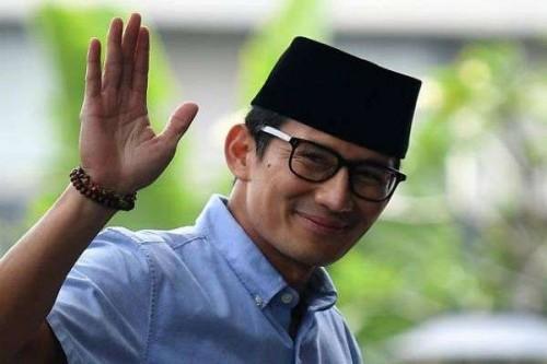 Sandiaga Uno Gabung Relawan Jokowi Saat Bagi Sembako, #GoodbyeSandiagaUno Trending!
