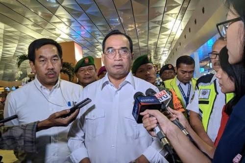 Menteri Perhubungan Budi Karya Sumadi saat meninjau Terminal Tiga Bandara Soekarno-Hatta, Kamis (27/2/2020). (Foto: kompas.tv)