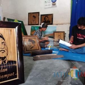 Penghormatan Terakhir, Pemuda Jombang Buat Wajah Didi Kempot Dari Bambu