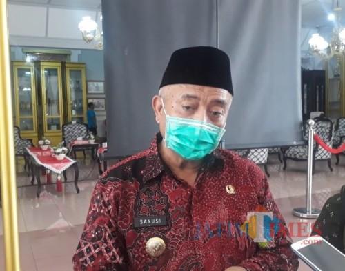 Bupati Malang, HM Sanusi saat menjelaskan skema pendataan bansos
