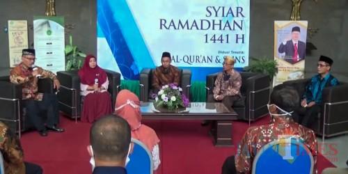 """Diskusi tematik """"Al-Qur'an dan Bahagia"""" dalam acara Syiar Ramadhan 1441 H UIN Malang. (Foto: istimewa)"""