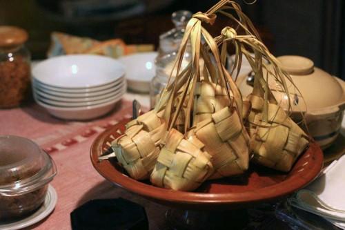 Ilustrasi ketupat. (Foto: http://amp.oppo.baca.co.id/)