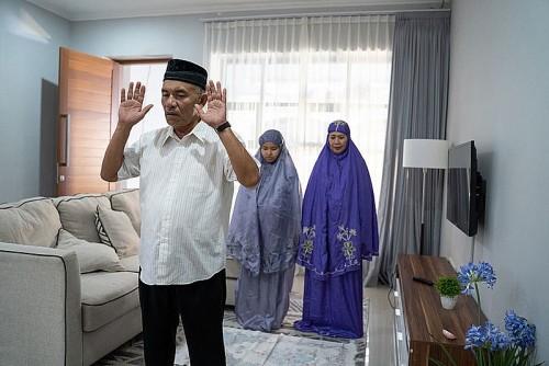 Hukum Laksanakan Salat Idul Fitri Sendiri atau Jamaah di Rumah