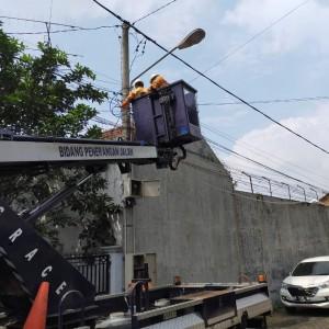 Di Tengah Covid-19, DPUPRPKP Tetap Rutin Monitoring Kondisi PJU Kota Malang