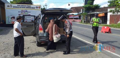 Tertangkap Basah Bawa Penumpang Mudik, Travel asal Tulungagung Ditilang Polisi Blitar