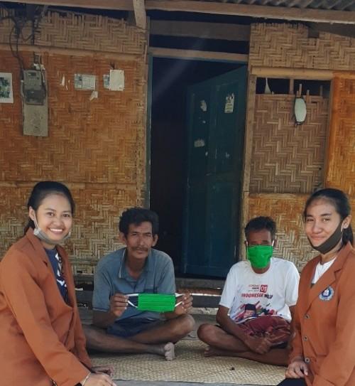 Mahasiswa Unikama yang melakukan bakti sosial di Sumba Timur NTT (Ist)