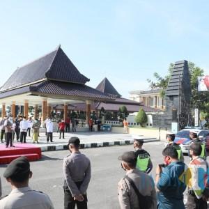 Pemprov Jatim Salurkan 20 Ribu Paket Bansos ke Kabupaten Blitar