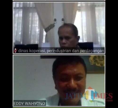 Suasana diskusi Kepala Diskopindag Kota Malang Wahyu Setianto dan Ketua Kadin Kota Malang Eddy Wahyono. (screenshot Webinar #3)