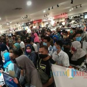 Mall Penuh Sesak, Netizen Lumajang: Satpol Sangar Pada Warung Kopi, Mall Loss