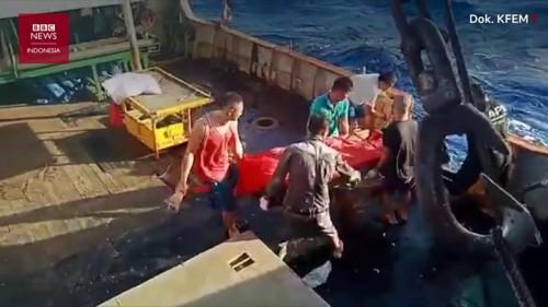 Jenazah ABK WNI dibuang ke laut (Foto: BBC)