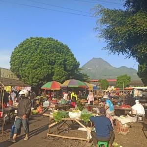 Wali Kota Batu Ingin Pasar Pagi Bisa Disiplin dalam PSBB