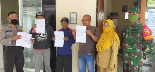 3 Warga Desa Sirapan Serahkan Blanko Pengembalian BST. Senin (18/05/2020)