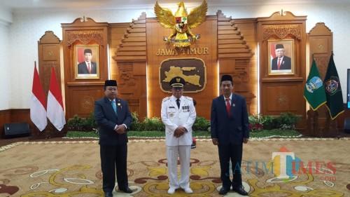 Dari kiri ke kanan : Wakil Ketua DPRD Yasin Hermanto, Wali Kota Blitar Santoso, dan Ketua DPRD dr Syahrul Alim.(Foto : Team BlitarTIMES)
