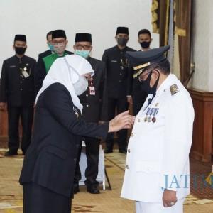 Gubernur Jatim Khofifah Resmi Lantik Santoso Jadi Wali Kota Blitar