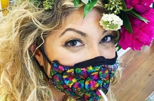 Masker unik yang memudahkan penggunanya untuk minum. (Foto: New York Post).