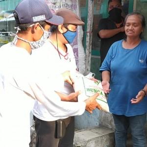 Jelang Lebaran, MalangTIMES dan IMR Terus Bagikan Paket Sejuta Sembako