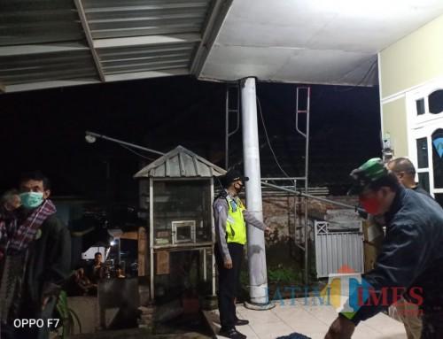 Petugas kepolisian Polsek Dau saat melakukan olah TKP di lokasi kejadian (Foto : Polsek Dau for MalangTIMES)